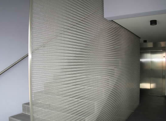 Superbe Stainless Steel Woven Mesh As Stairs To Prevent People From Falling Off The  Stairs.